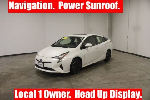 Pre-Owned 2017 Toyota Prius Three FWD 5D Hatchback